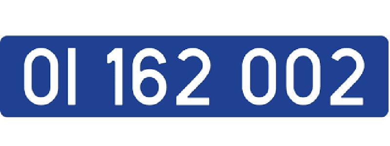 Matrícula diplomática: letras blancas sobre fondo azul