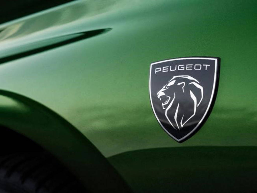 El nuevo logo de Peugeot se estrena en el Peugeot 308 2021.