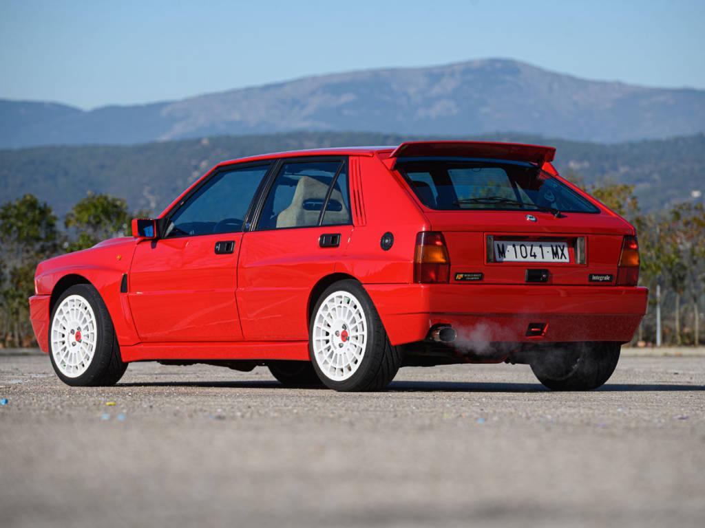 Tras vencer con Toyota, Carlos Sainz se cambio a Lancia en 1993, aunque esta había abandonado el equipo oficial