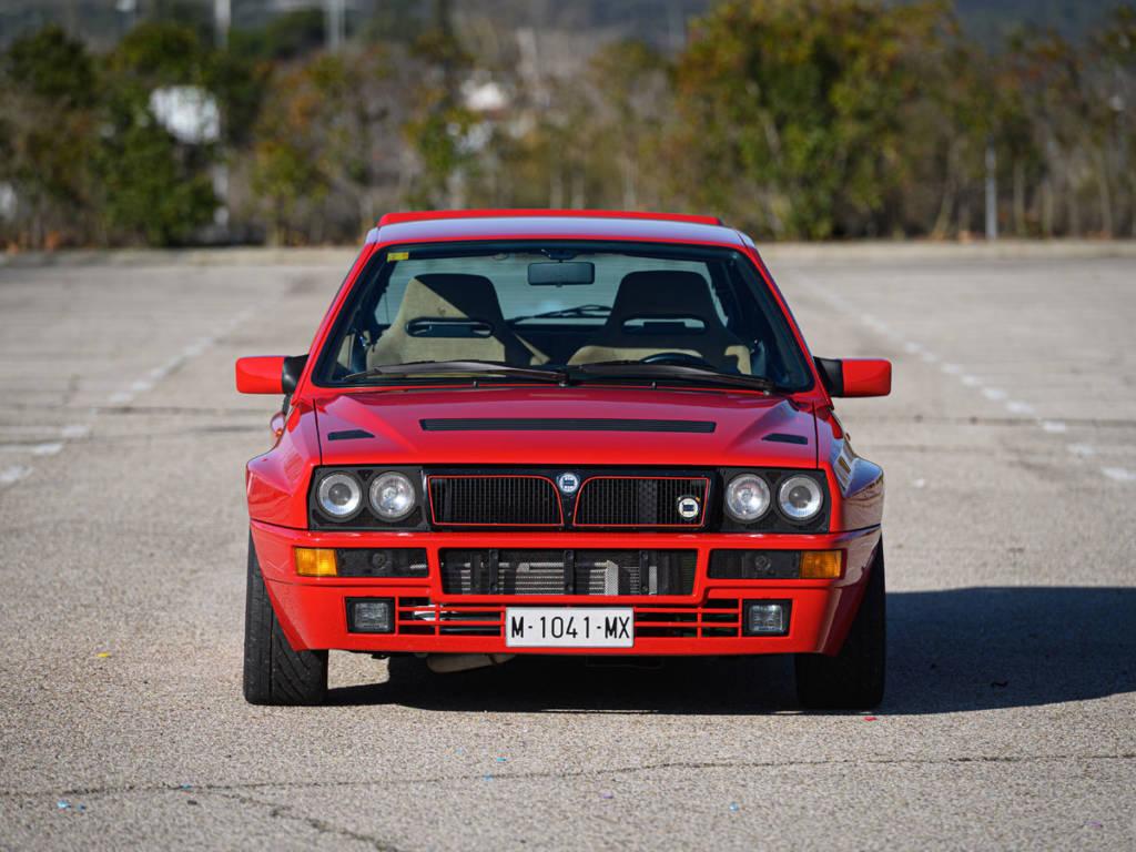 El Lancia Delta sigue siendo divertido en todo tipo de situaciones, es una bomba con ganas de estallar