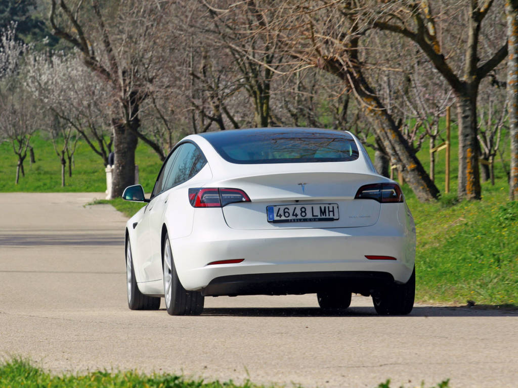 Este acabado del Tesla Model 3 parte de 52.000 euros.