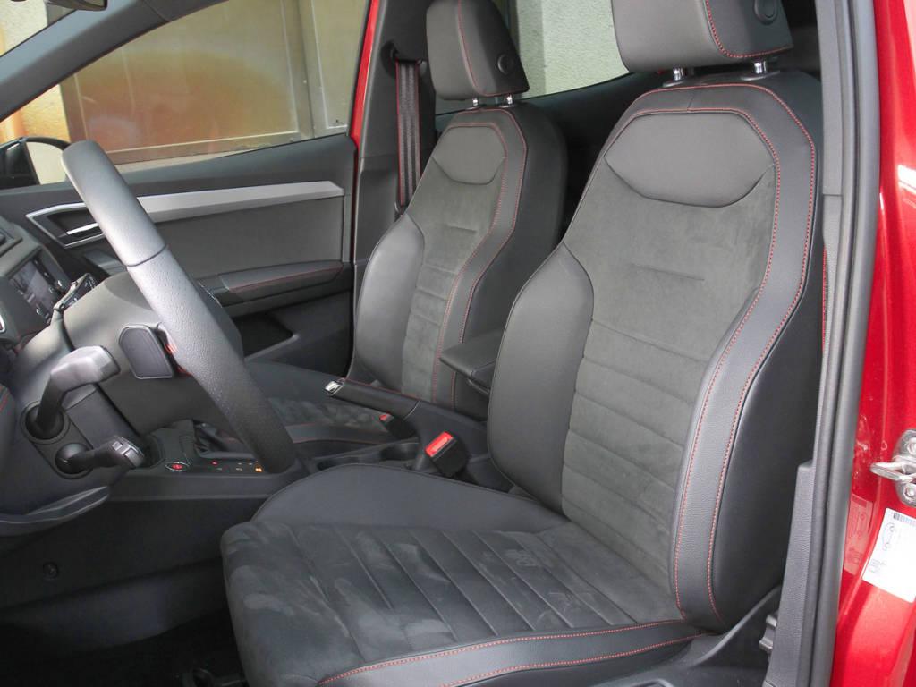 Destalle de los asientos delanteros