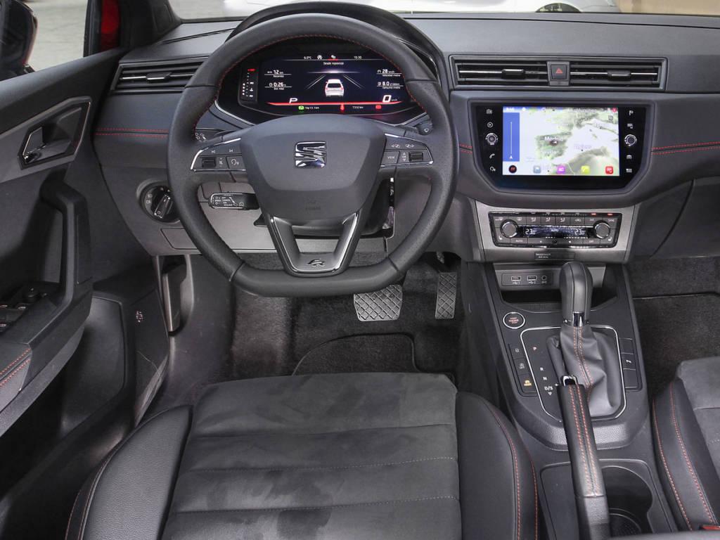 El puesto de conducción del Ibiza recurre al SEAT Digital Cockpit para una mejor presentación