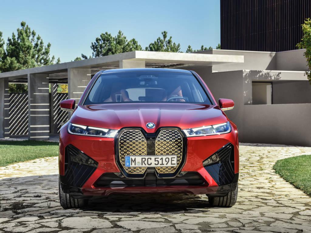 BMW iX (2021)