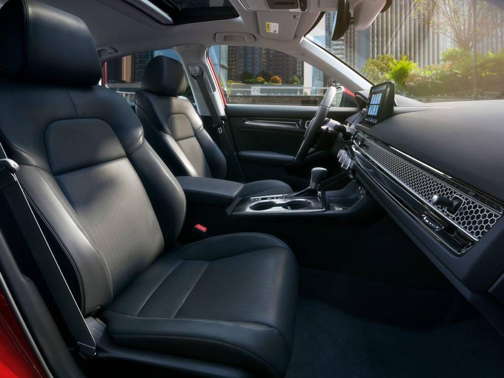 Honda Civic 2022 asientos