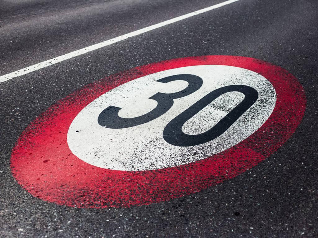 Las calles de un carril por sentido bajarán a 30 km/h