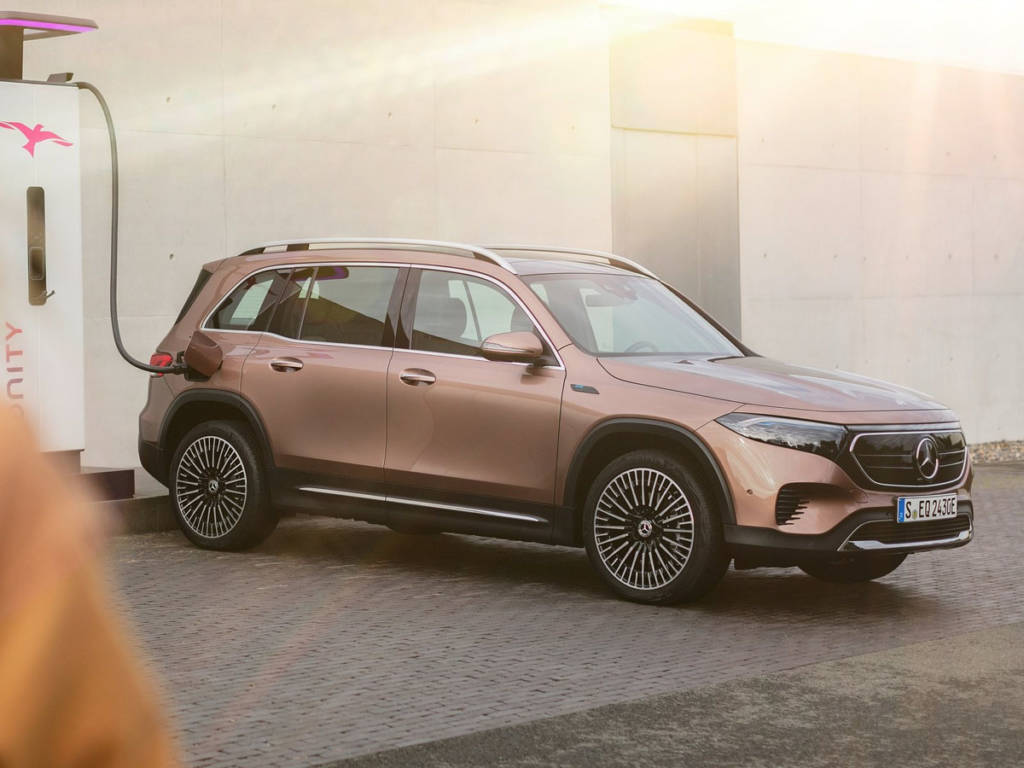 Mercedes-Benz EqB 2021 carga