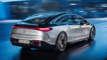Mercedes-Benz EQS 2021 movimiento trasera
