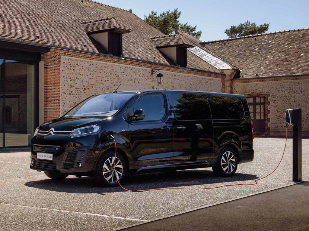 Citroën ë-SpaceTourer eléctrico talla XL cargando