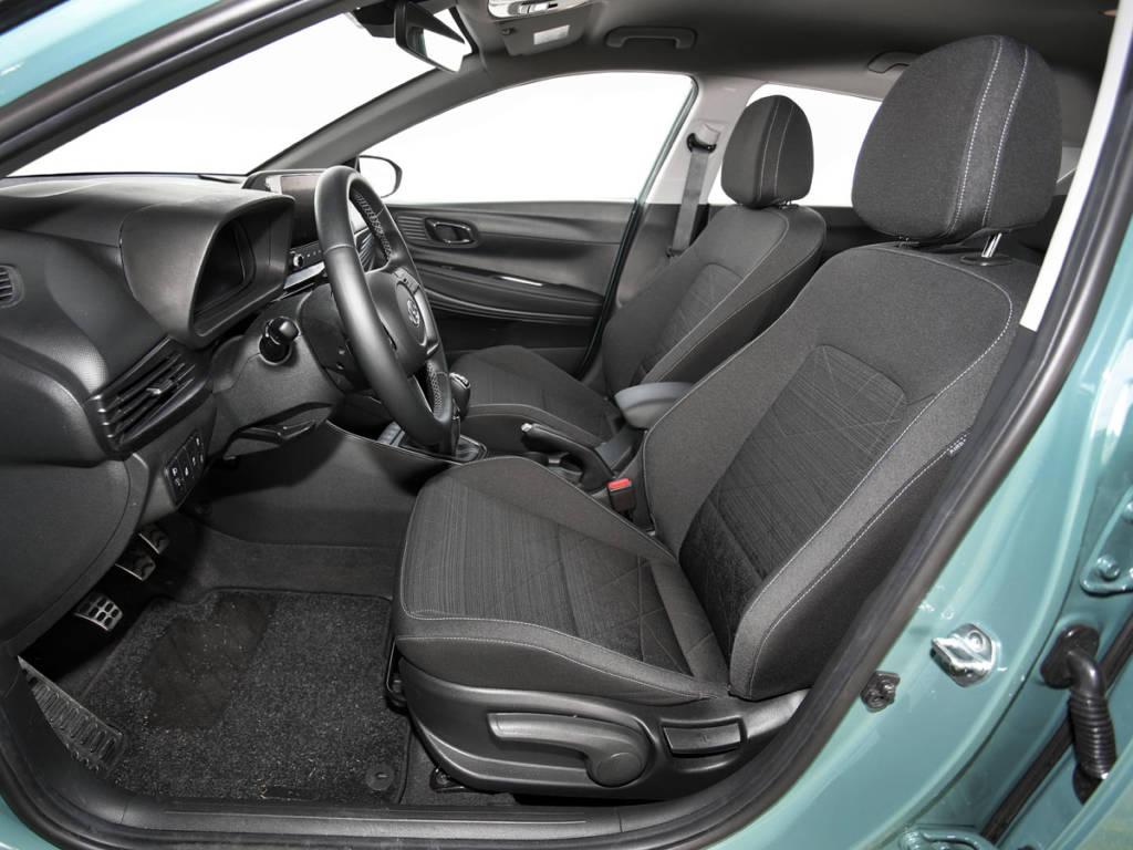 Hyundai Bayon asientos delanteros