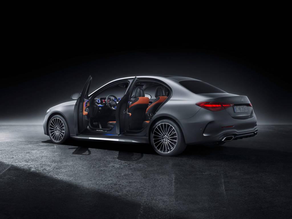 Mercedes-Benz Clase C Sedan 2021 puertas abiertas
