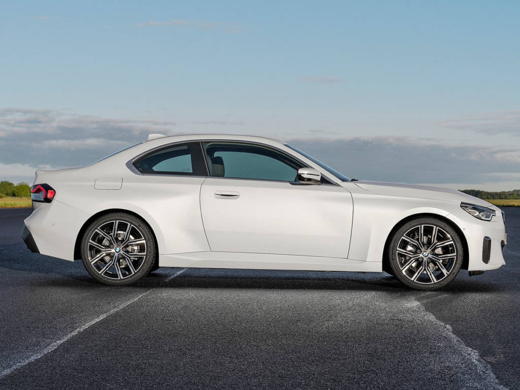 BMW Serie 2 Coupé 2022 lateral
