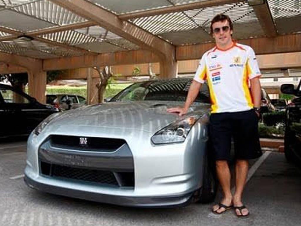 Fernando Alonso Nissan GT-R
