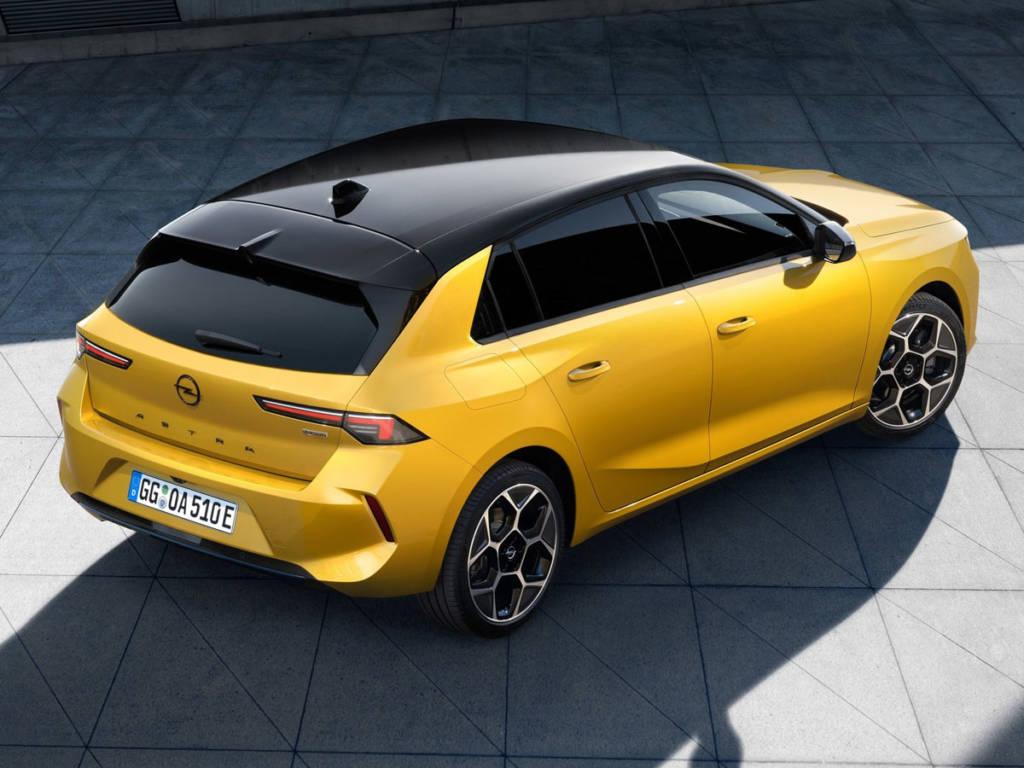 Opel Astra 2022 tres cuartos